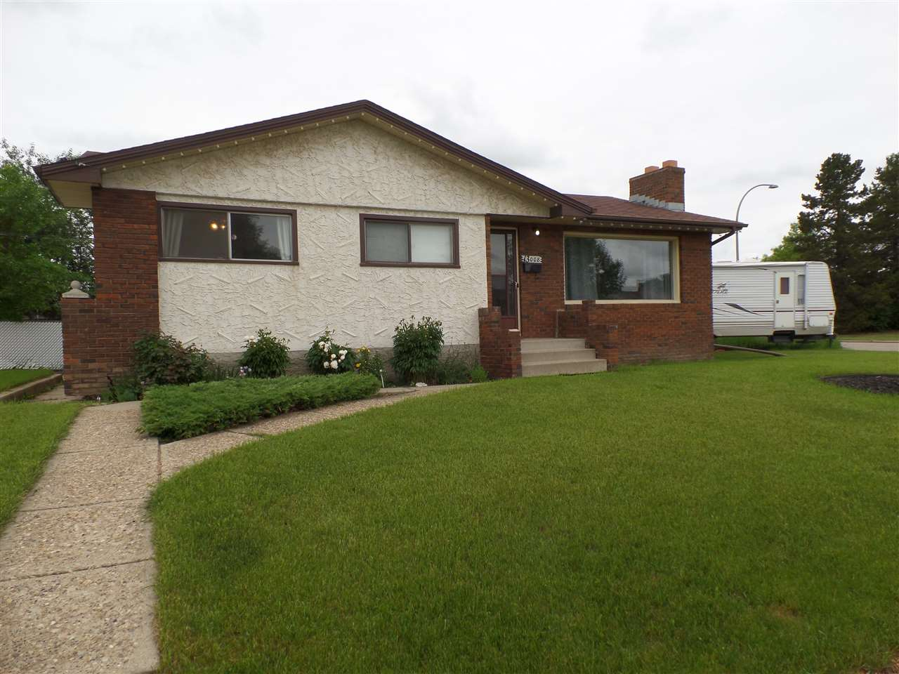 Main Photo: 13008 73 Street in Edmonton: Zone 02 House for sale : MLS(r) # E4068595