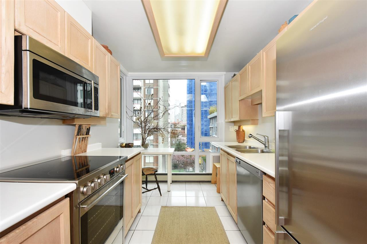 Photo 9: 803 1020 HARWOOD Street in Vancouver: West End VW Condo for sale (Vancouver West)  : MLS(r) # R2177586