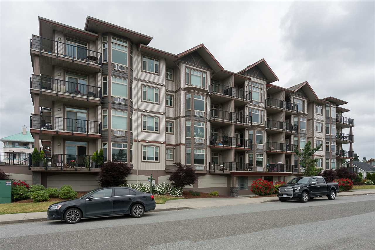 Main Photo: 405 46021 SECOND Avenue in Chilliwack: Chilliwack E Young-Yale Condo for sale : MLS(r) # R2177671
