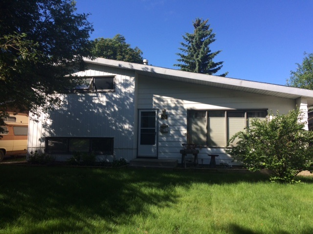 Main Photo: 20 SEYMORE Crescent: St. Albert House for sale : MLS(r) # E4069235