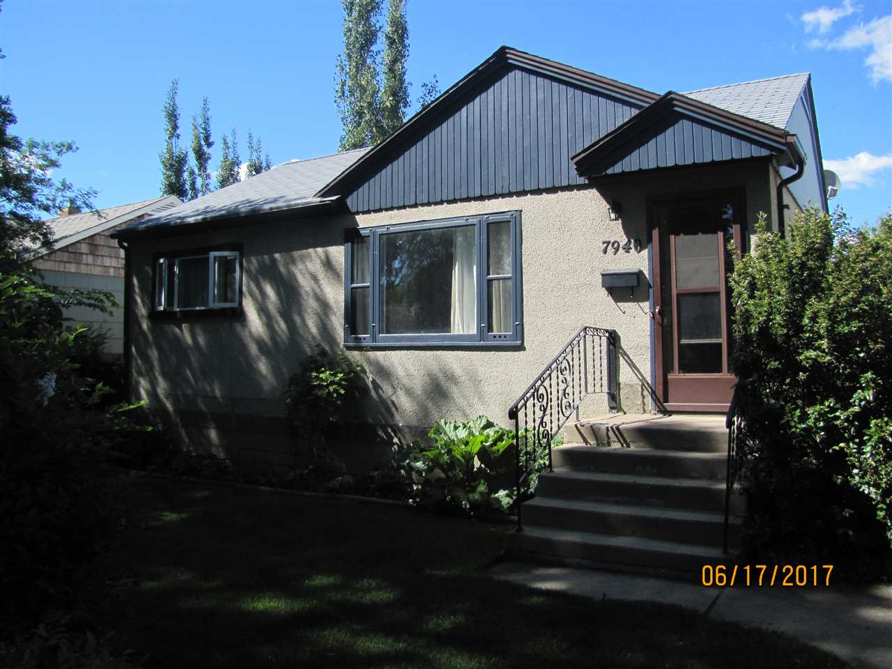 Main Photo: 7940 85 Avenue NW in Edmonton: Zone 18 House for sale : MLS(r) # E4069742