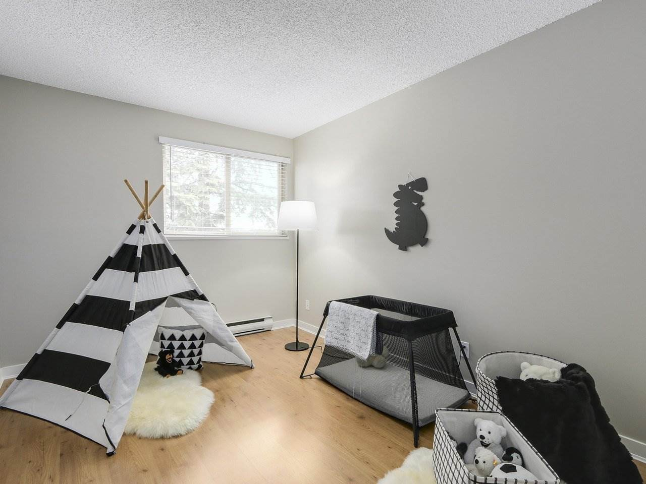 "Photo 13: 309 1121 HOWIE Avenue in Coquitlam: Central Coquitlam Condo for sale in ""THE WILLOWS"" : MLS(r) # R2179241"