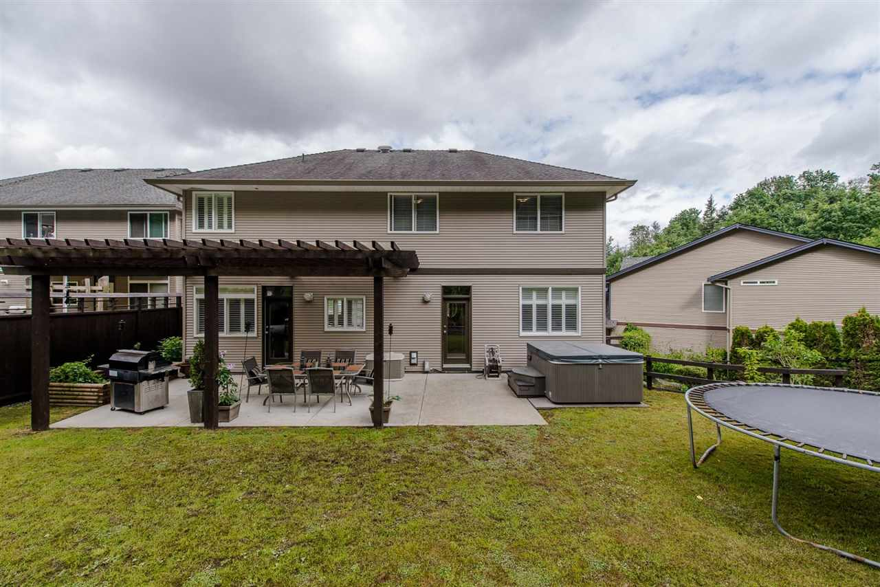 "Photo 2: 3872 KENSINGTON Court in Abbotsford: Abbotsford East House for sale in ""KENSINGTON PARK"" : MLS® # R2180750"