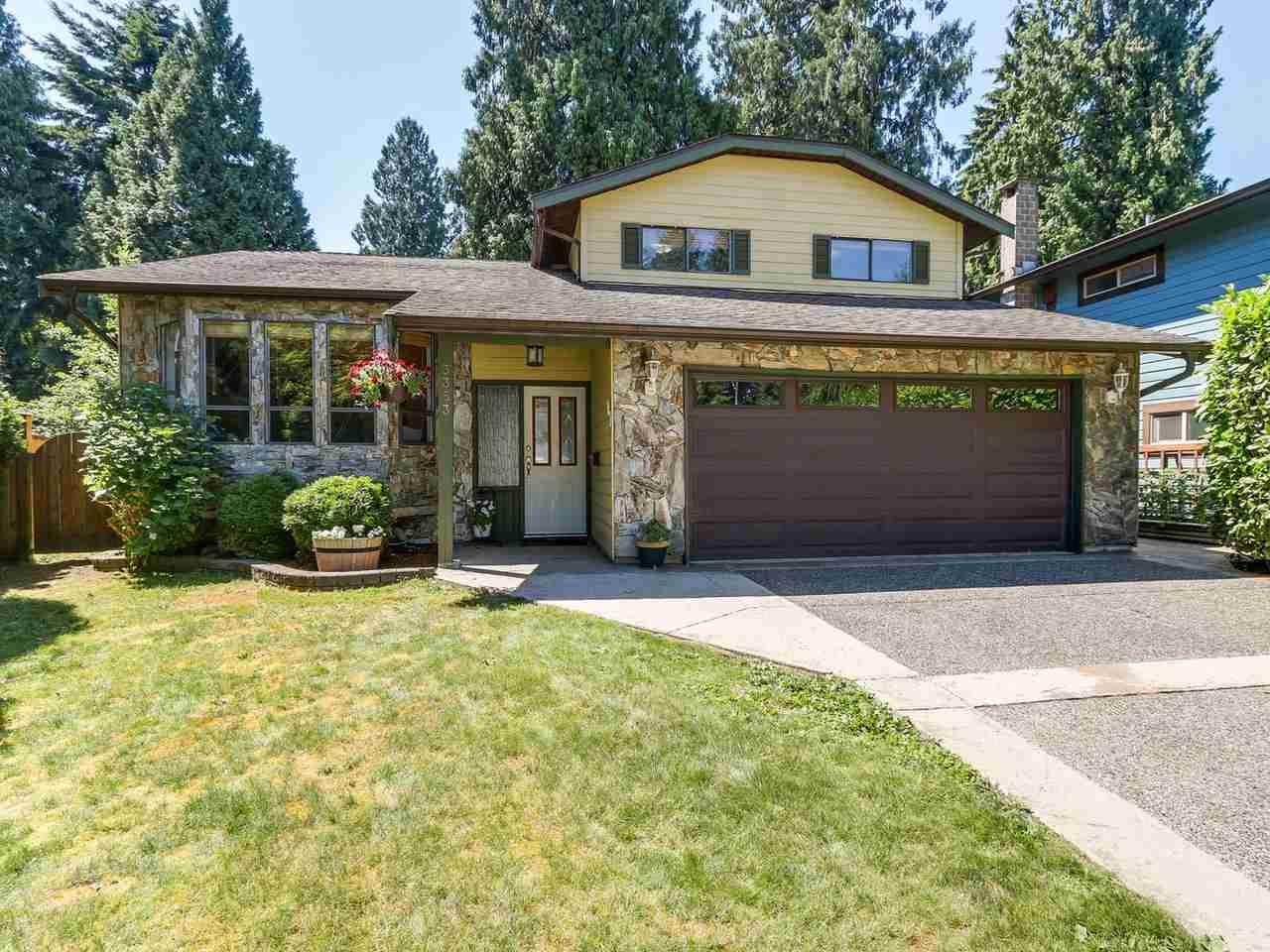 "Main Photo: 3353 FOREST GROVE Place in Port Coquitlam: Lincoln Park PQ House for sale in ""LINCON PARK"" : MLS® # R2185593"