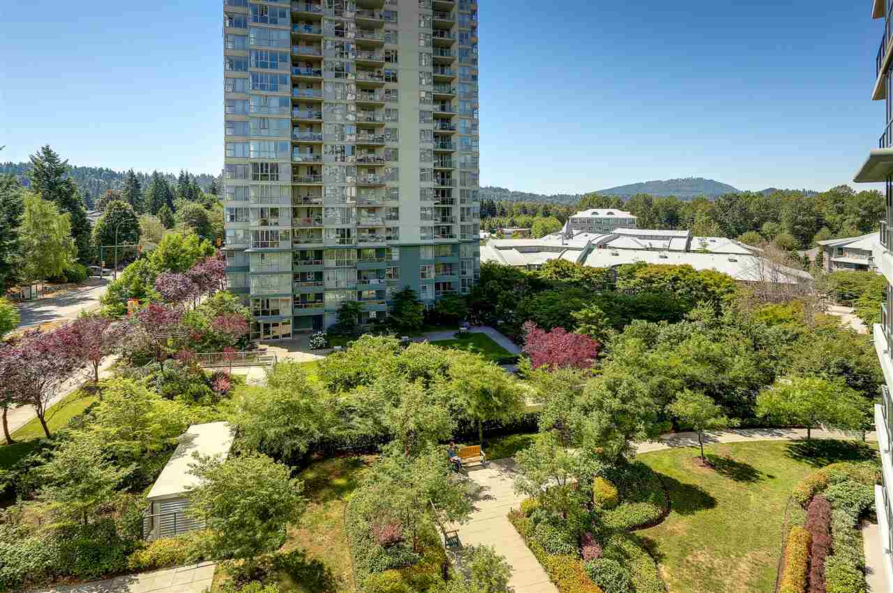 Photo 3: 403 288 UNGLESS Way in Port Moody: North Shore Pt Moody Condo for sale : MLS® # R2196452