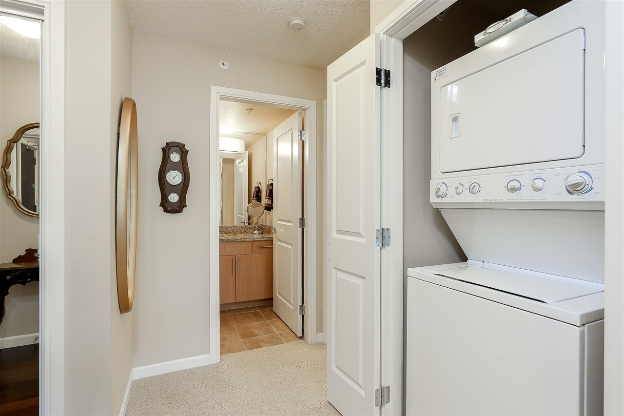 Photo 13: 403 288 UNGLESS Way in Port Moody: North Shore Pt Moody Condo for sale : MLS® # R2196452
