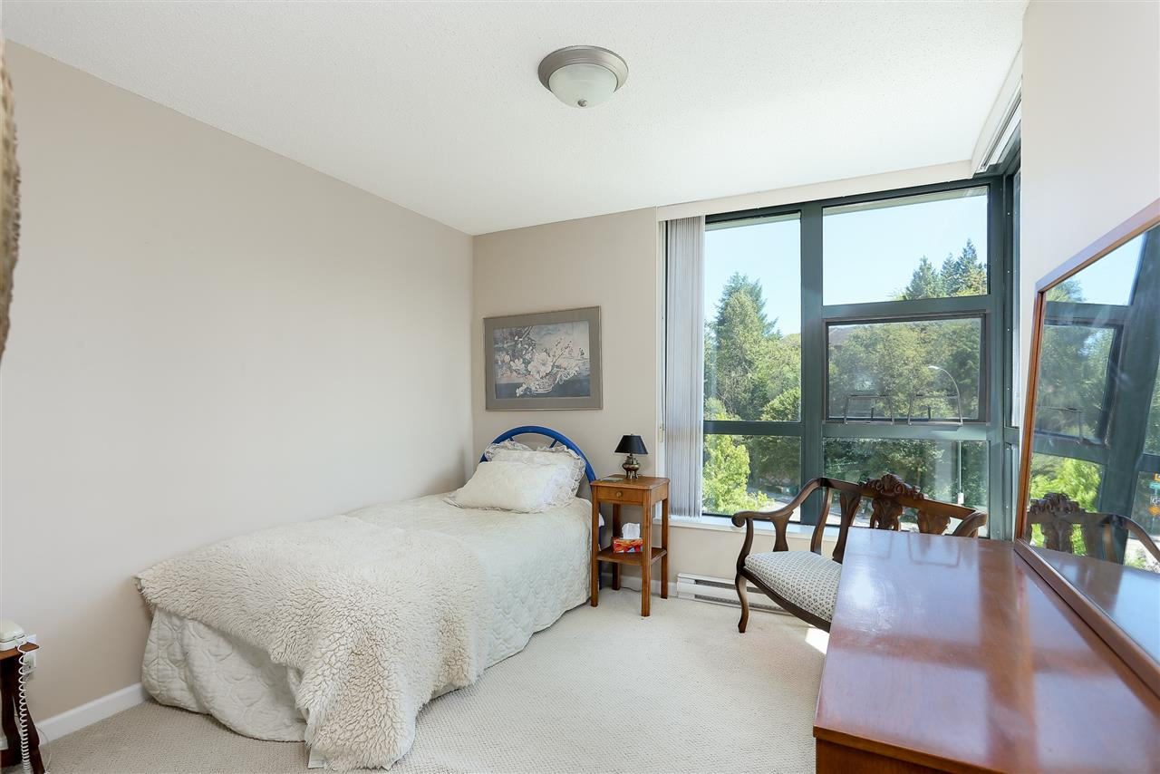 Photo 15: 403 288 UNGLESS Way in Port Moody: North Shore Pt Moody Condo for sale : MLS® # R2196452