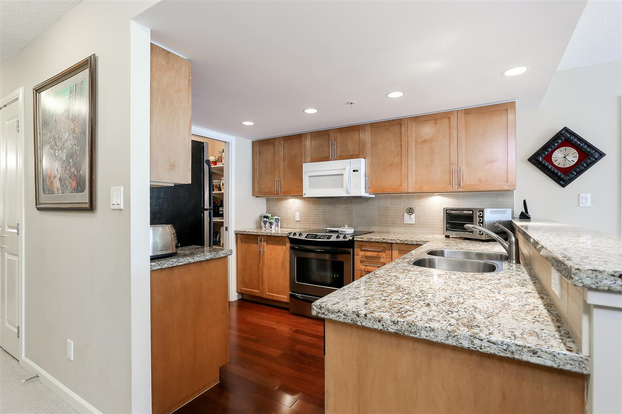 Photo 5: 403 288 UNGLESS Way in Port Moody: North Shore Pt Moody Condo for sale : MLS® # R2196452