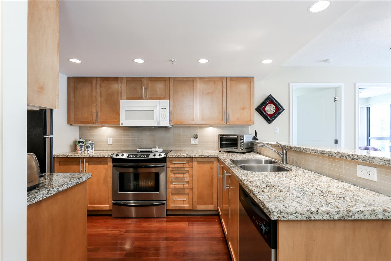 Photo 4: 403 288 UNGLESS Way in Port Moody: North Shore Pt Moody Condo for sale : MLS® # R2196452