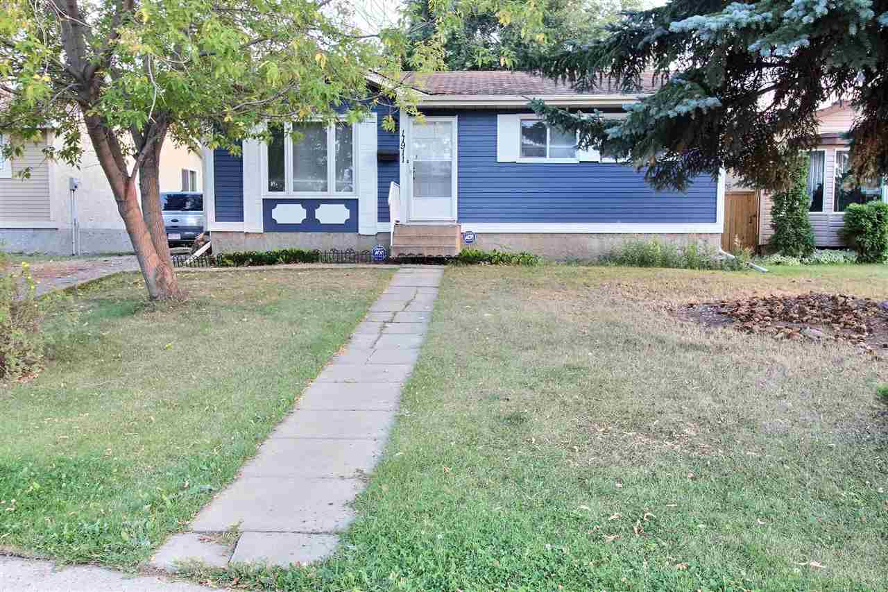 Main Photo:  in Edmonton: Zone 27 House for sale : MLS® # E4082296
