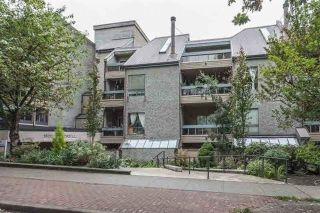 "Main Photo: 211 1500 PENDRELL Street in Vancouver: West End VW Condo for sale in ""Pendrell Mews"" (Vancouver West)  : MLS® # R2218931"