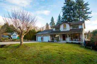 "Main Photo: 566 OCEAN VIEW Drive in Gibsons: Gibsons & Area House for sale in ""Woodcreek Park"" (Sunshine Coast)  : MLS® # R2236151"