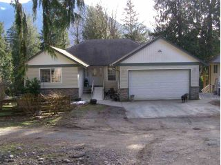Main Photo: 4821 FARNHAM Road: Ryder Lake House for sale (Sardis)  : MLS® # R2247053