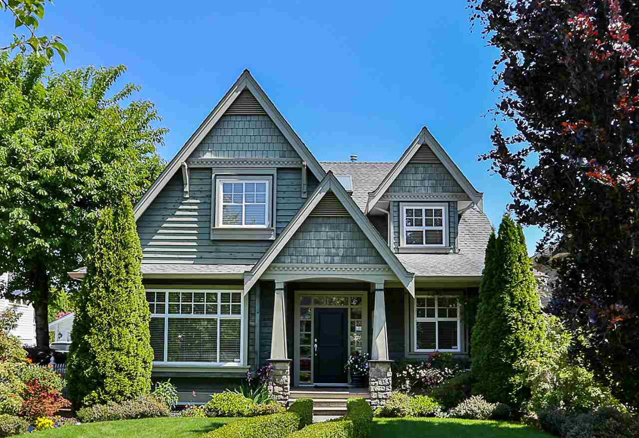 "Main Photo: 327 THIRD Street in New Westminster: Queens Park House for sale in ""QUEENS PARK"" : MLS®# R2271280"