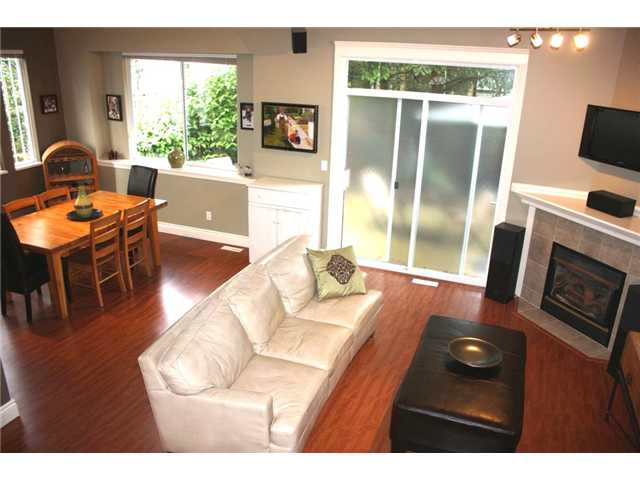 "Photo 2: 18 1506 EAGLE MOUNTAIN Drive in Coquitlam: Westwood Plateau Townhouse for sale in ""RIVER ROCK"" : MLS(r) # V903306"