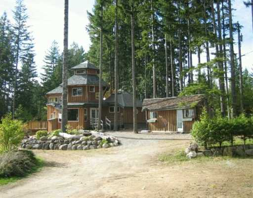 Photo 2: Photos: 3451 CRYSTAL RD in Roberts_Creek: Roberts Creek House for sale (Sunshine Coast)  : MLS® # V591786