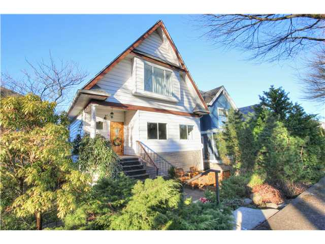 "Main Photo: 2057 PARKER Street in Vancouver: Grandview VE House for sale in ""COMMERCIAL DRIVE"" (Vancouver East)  : MLS® # V1050155"