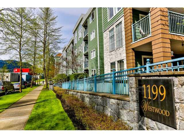 "Photo 10: 305 1199 WESTWOOD Street in Coquitlam: North Coquitlam Condo for sale in ""THE CRESCENT"" : MLS(r) # V1052565"