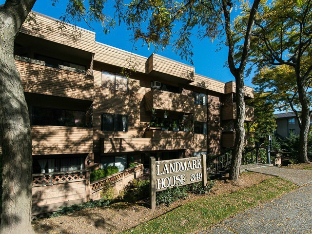 "Main Photo: 207 349 E 6TH Avenue in Vancouver: Mount Pleasant VE Condo for sale in ""LANDMARK HOUSE"" (Vancouver East)  : MLS® # V1055063"