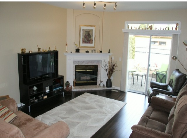 "Photo 2: 4 4725 221 Street in Langley: Murrayville Townhouse for sale in ""Summerhill Gate"" : MLS® # F1410791"