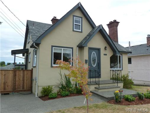 Main Photo: 1139 Wychbury Avenue in VICTORIA: Es Saxe Point Single Family Detached for sale (Esquimalt)  : MLS® # 353222