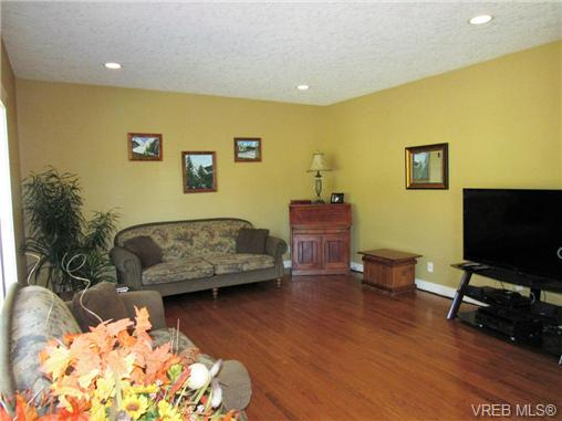 Photo 10: 2923 Sarah Drive in SOOKE: Sk Otter Point Single Family Detached for sale (Sooke)  : MLS® # 366074