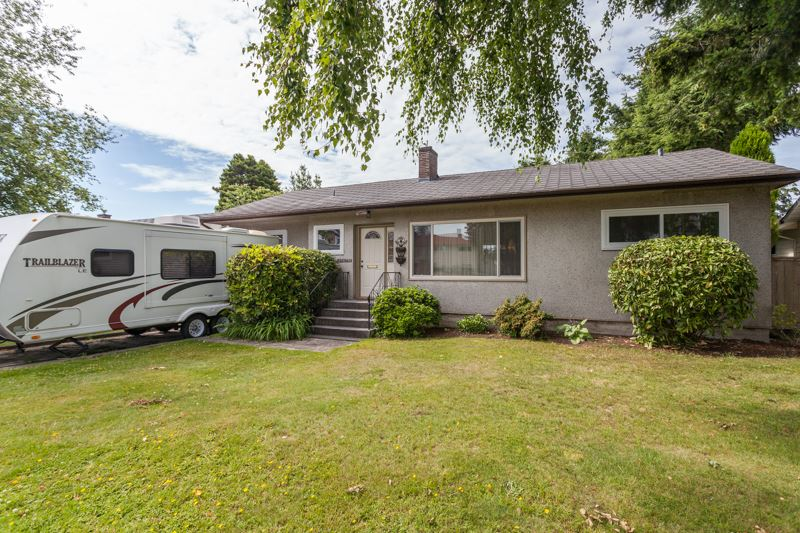 Main Photo: 15422 PACIFIC Avenue: White Rock House for sale (South Surrey White Rock)  : MLS® # R2082792