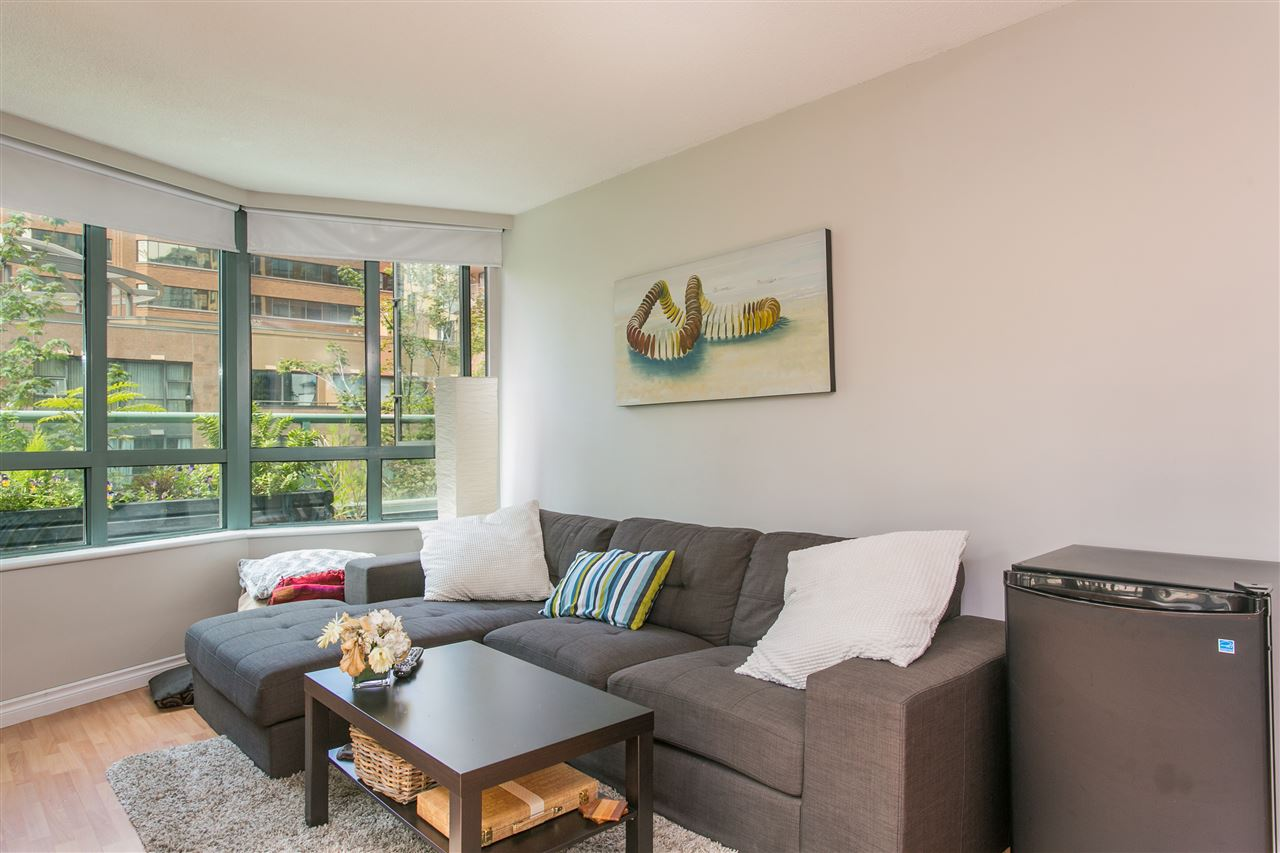 "Photo 3: 302 1188 HOWE Street in Vancouver: Downtown VW Condo for sale in ""1188 HOWE"" (Vancouver West)  : MLS® # R2093004"