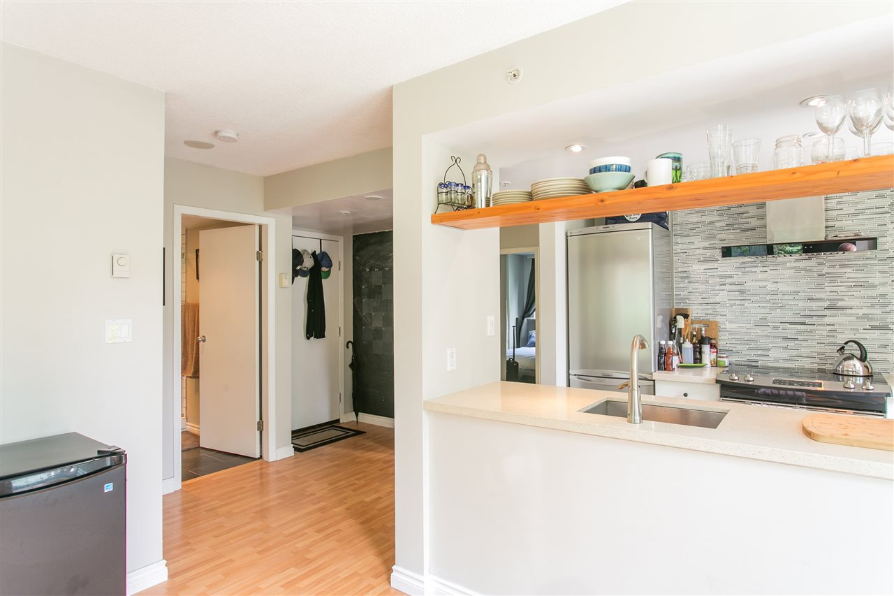 "Photo 8: 302 1188 HOWE Street in Vancouver: Downtown VW Condo for sale in ""1188 HOWE"" (Vancouver West)  : MLS® # R2093004"