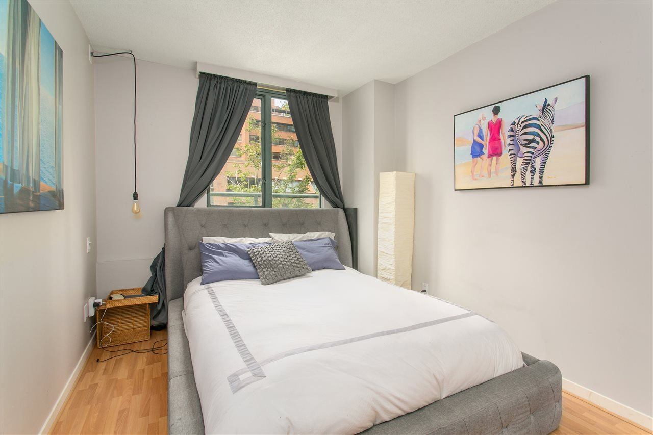 "Photo 5: 302 1188 HOWE Street in Vancouver: Downtown VW Condo for sale in ""1188 HOWE"" (Vancouver West)  : MLS® # R2093004"