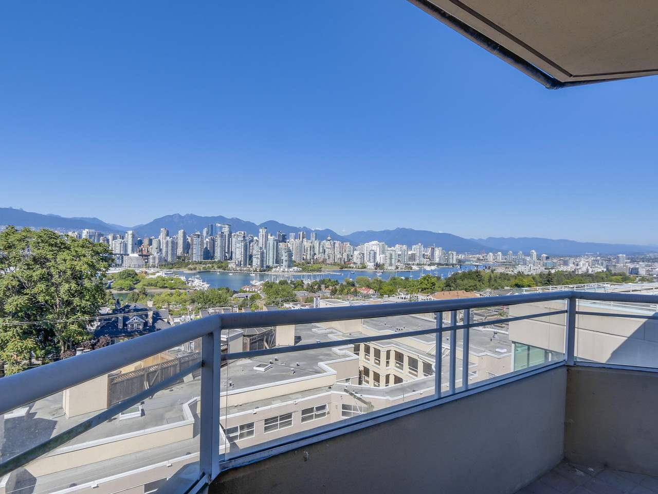 "Main Photo: 602 1235 W BROADWAY in Vancouver: Fairview VW Condo for sale in ""POINTE LA BELLE"" (Vancouver West)  : MLS® # R2110403"