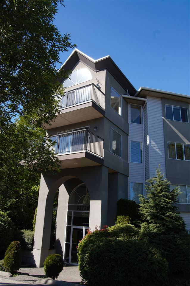 "Photo 1: 311 32725 GEORGE FERGUSON Way in Abbotsford: Abbotsford West Condo for sale in ""Uptown"" : MLS® # R2182713"