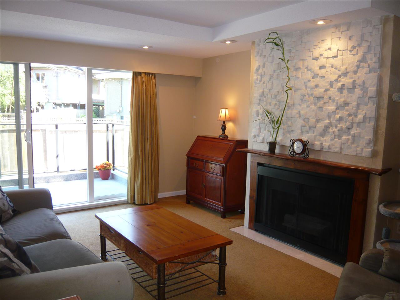Main Photo: 306 2336 WALL Street in Vancouver: Hastings Condo for sale (Vancouver East)  : MLS(r) # R2182968