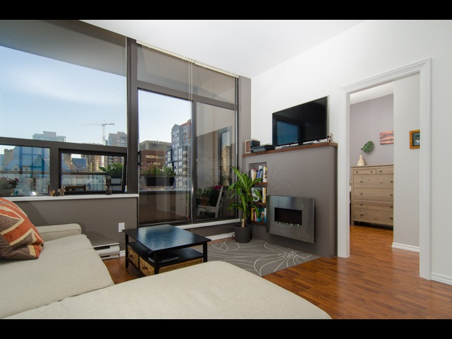 "Main Photo: 1010 1010 HOWE Street in Vancouver: Downtown VW Condo for sale in ""Fortune House"" (Vancouver West)  : MLS(r) # R2184383"
