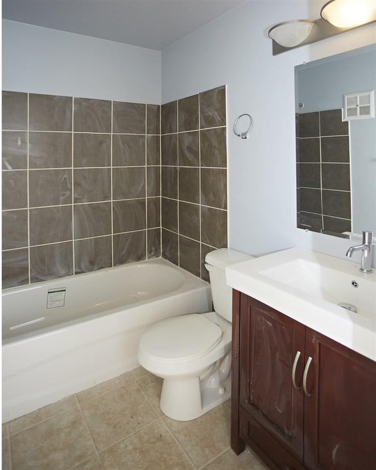 Photo 3: 304 10730 105 Street in Edmonton: Zone 08 Condo for sale : MLS® # E4076471
