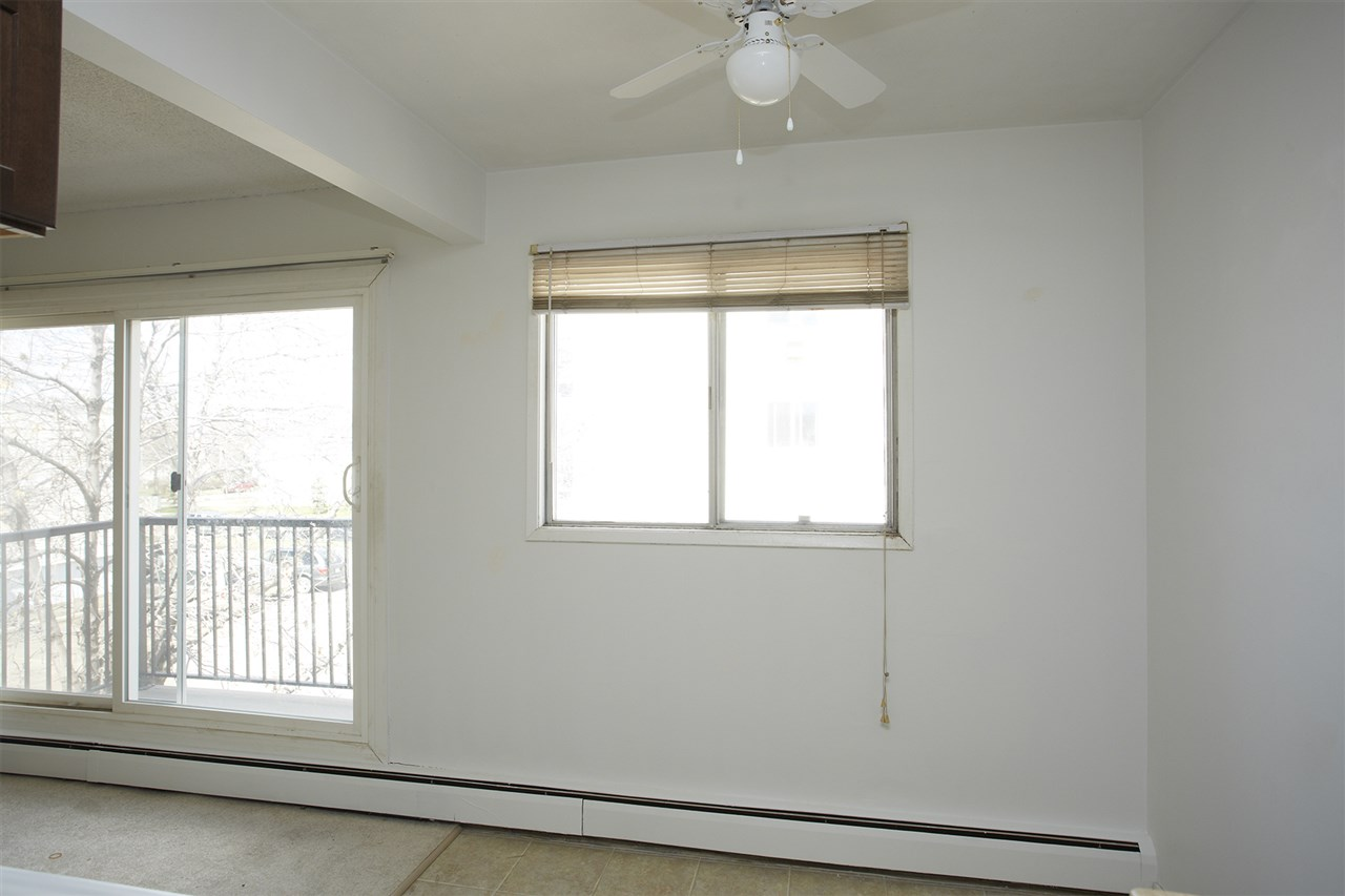 Photo 4: 304 10730 105 Street in Edmonton: Zone 08 Condo for sale : MLS® # E4076471