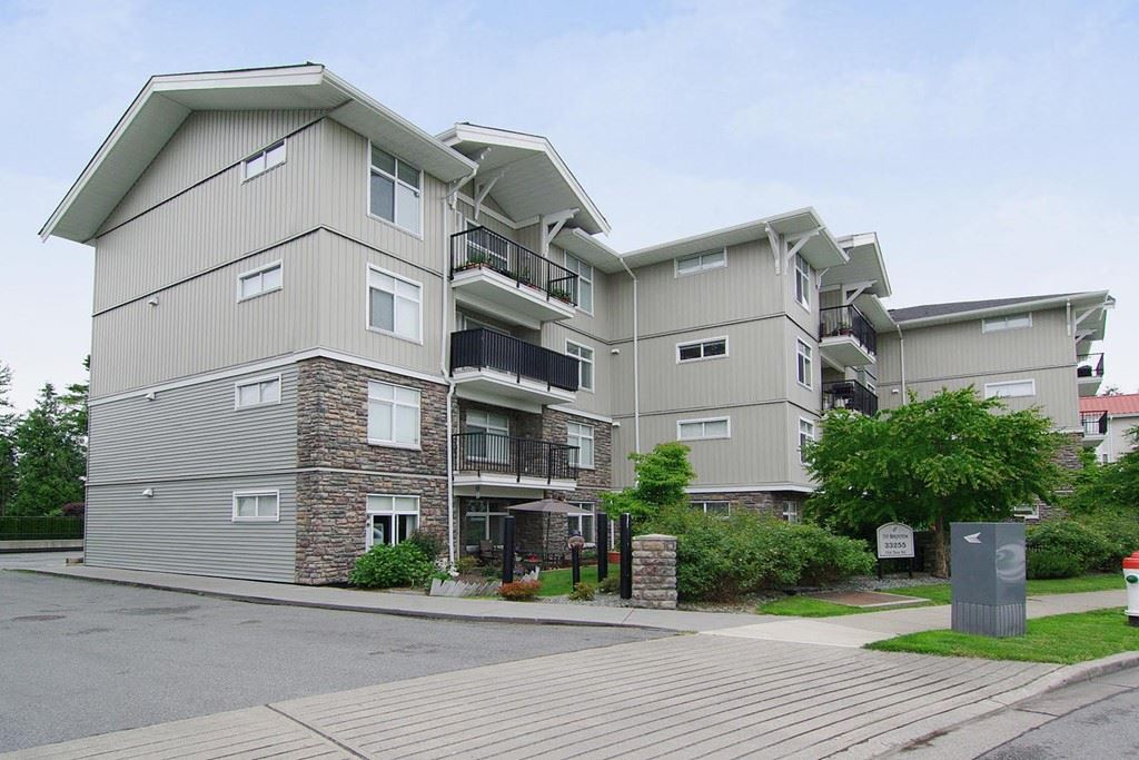 "Main Photo: 402 33255 OLD YALE Road in Abbotsford: Central Abbotsford Condo for sale in ""The Brixton"" : MLS® # R2210628"