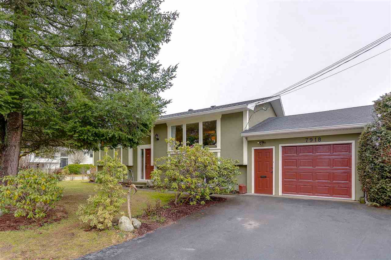 Main Photo: 7918 TEAL Street in Mission: Mission BC House for sale : MLS®# R2218203