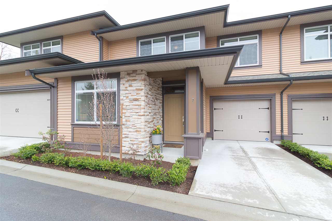 Main Photo: 7 35846 MCKEE Road in Abbotsford: Abbotsford East Townhouse for sale : MLS®# R2254462