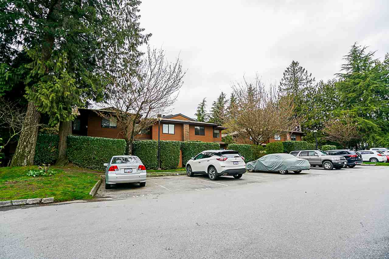Main Photo: 510 10620 150 Street in Surrey: Guildford Townhouse for sale (North Surrey)  : MLS®# R2256182