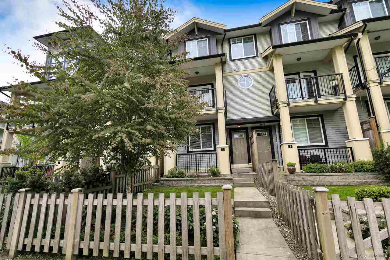 "Main Photo: 3 13886 62 Avenue in Surrey: Sullivan Station Townhouse for sale in ""FUSION BY LAKEWOOD"" : MLS®# R2269098"