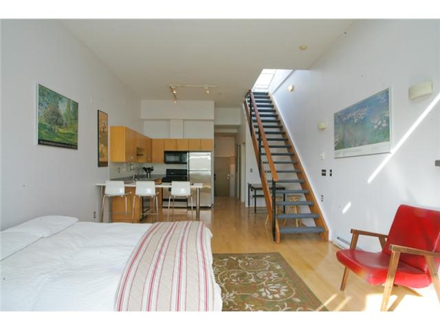Photo 3: 307 980 W 22ND Avenue in Vancouver: Cambie Condo for sale (Vancouver West)  : MLS(r) # V877768