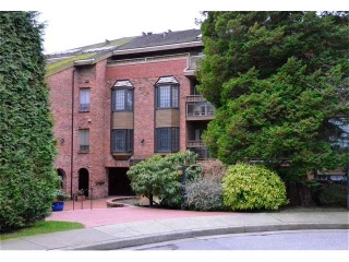 "Main Photo: 117 2320 W 40th Avenue in Vancouver: Kerrisdale Condo for sale in ""Manor Gardens"" (Vancouver West)  : MLS® # V932358"