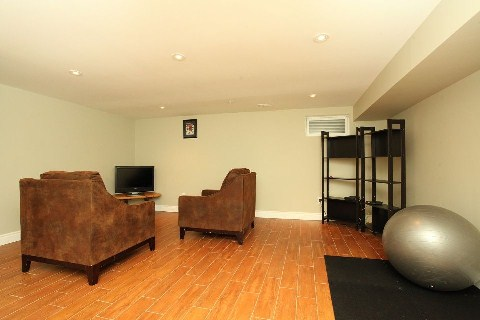 Photo 7: 1 140 Ripley Court in Oakville: College Park House (2-Storey) for sale : MLS® # W2942554