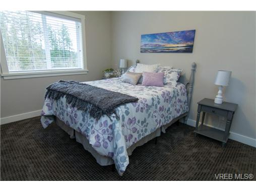 Photo 13: 1102 Bombardier Crescent in VICTORIA: La Westhills Single Family Detached for sale (Langford)  : MLS(r) # 346108