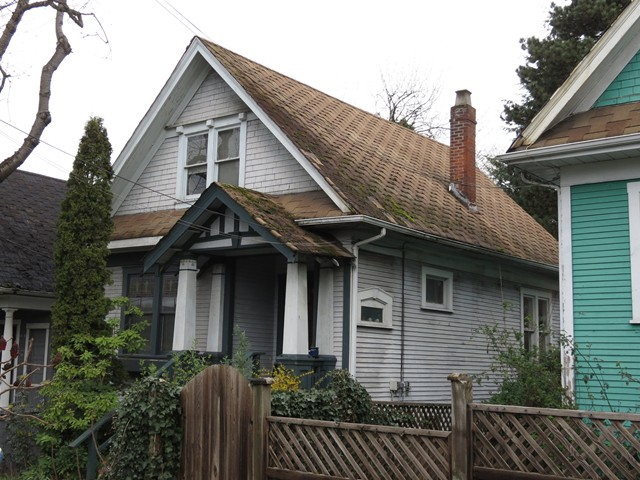 Main Photo: 2124 PRINCE EDWARD Street in Vancouver: Mount Pleasant VE House for sale (Vancouver East)  : MLS® # V1110928