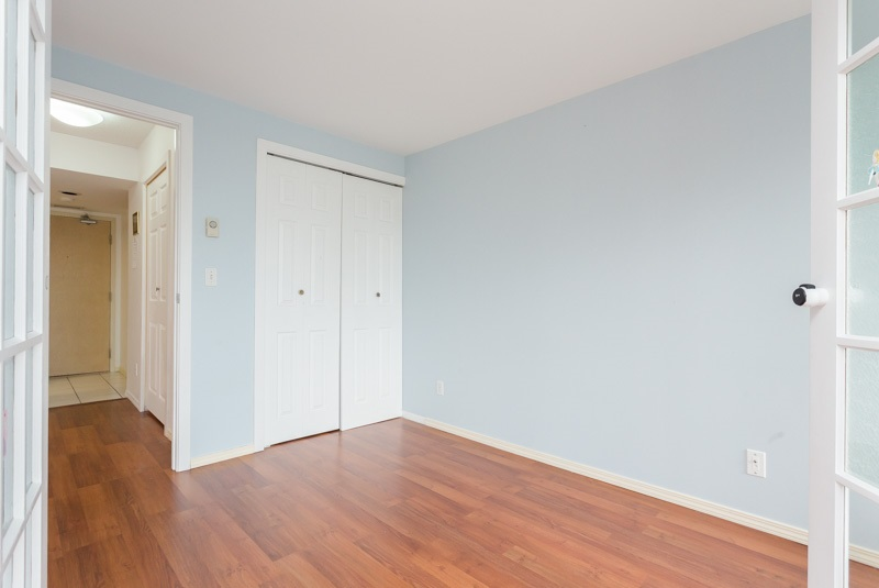 "Photo 5: 706 7040 GRANVILLE Avenue in Richmond: Brighouse South Condo for sale in ""PANORAMA PLACE"" : MLS(r) # R2003061"