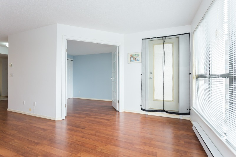 "Photo 3: 706 7040 GRANVILLE Avenue in Richmond: Brighouse South Condo for sale in ""PANORAMA PLACE"" : MLS(r) # R2003061"