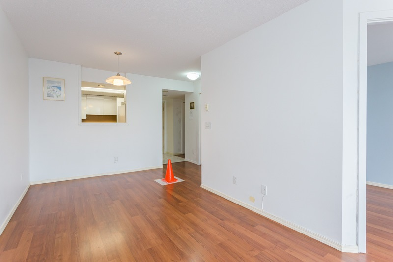 "Photo 4: 706 7040 GRANVILLE Avenue in Richmond: Brighouse South Condo for sale in ""PANORAMA PLACE"" : MLS(r) # R2003061"