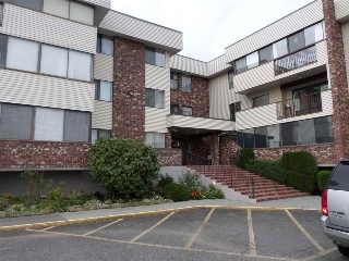 "Main Photo: 110 33369 OLD YALE Road in Abbotsford: Central Abbotsford Condo for sale in ""Monte Vista"" : MLS® # R2013290"